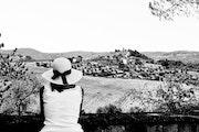 La dame au chapeau. C. De Flogny