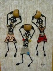 Trois joyeuses petites porteuses (Acrylique relief+collage). Azoucat