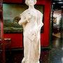 Beatrice, sculpture en albâtre. Marc Menzoyan Antiquités