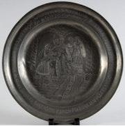 Zinnteller «Maria von Burgund und Maximilian von Österreich» aus dem 18. Jhdt.. Thomas Kern