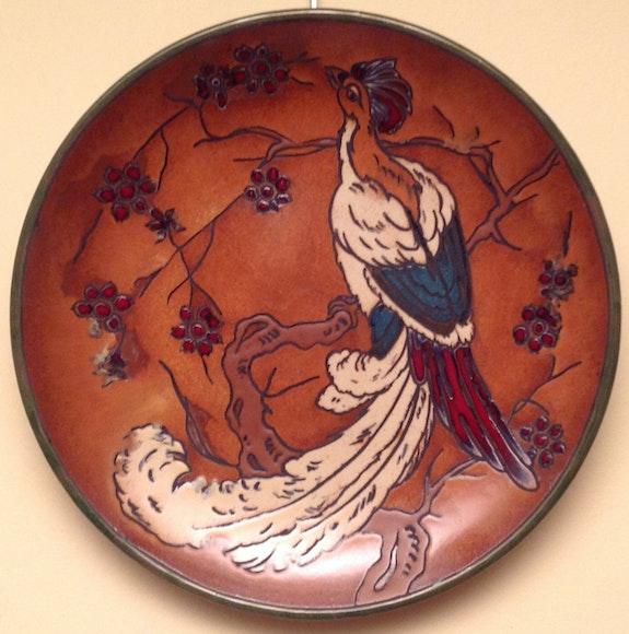 Plato Ancient Modernist Porcelain Figure with Bird. Desconocido Antiguedadesoratam