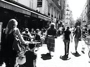Gens (4) - Rue de la Terrasse - Août 2013.