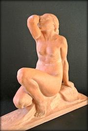 Baigneuse Art-Déco par Jean Ortis. Marc Menzoyan Antiquités