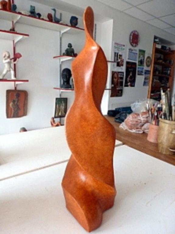 Sculpture orangée contemporaine.. Annie Bidal Annie B.