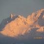 Coucher de soleil sur les sommets enneigés. Michel. Gouyet