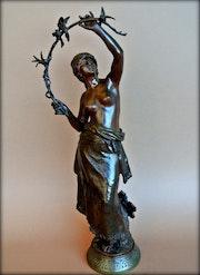 Jeune femme aux oiseaux. Marc Menzoyan Antiquités
