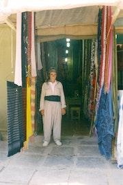 Un marchnad de tissus. Sharareh Jafarinejad Soumeh Sarae