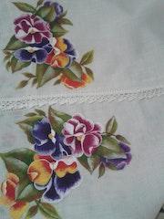 Flores, pintura en tela. M. Pilar
