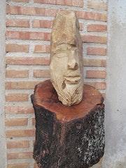 Cabeza en piedra 1 sobre torso de madera.. Ricardo Benito Herranz