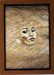 Femme sur feuille d'ecorce de cocotier.