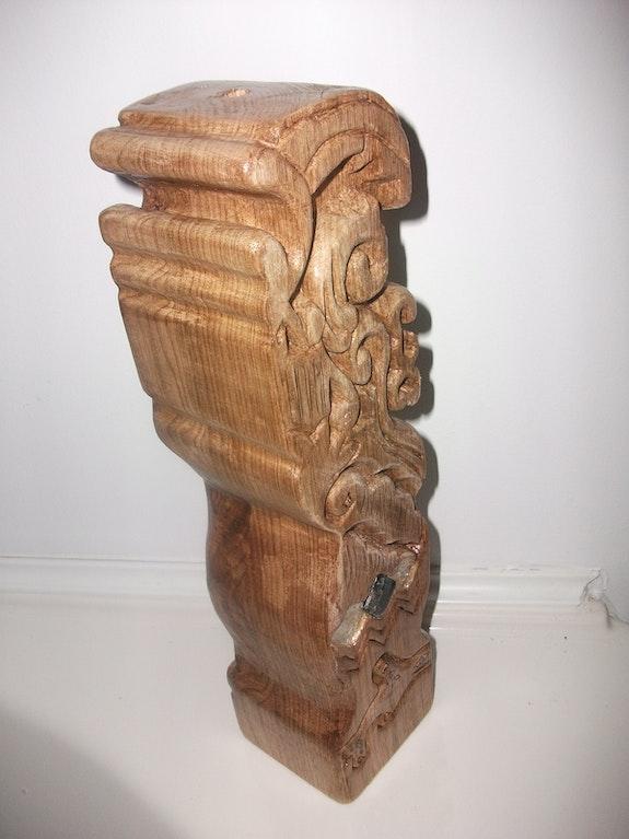 Lampe en bois sculptée. Virka S. St-Pierre Virka St-Pierre
