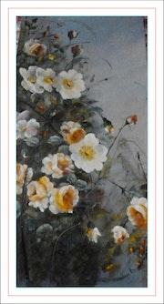 Buisson de roses sauvages jaunes hemisphaerica herrm et rosa gallica.