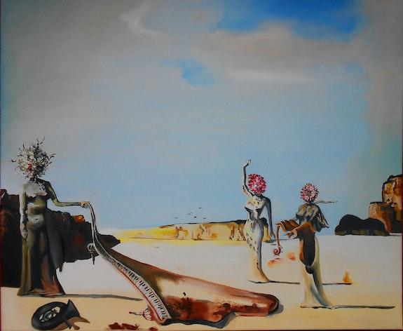 Femmes aux têtes de fleurs retrouvant sur la plage les dépouilles d'un orchestre. Anne Delpierre d'après Salvador Dali Anne Delpierre