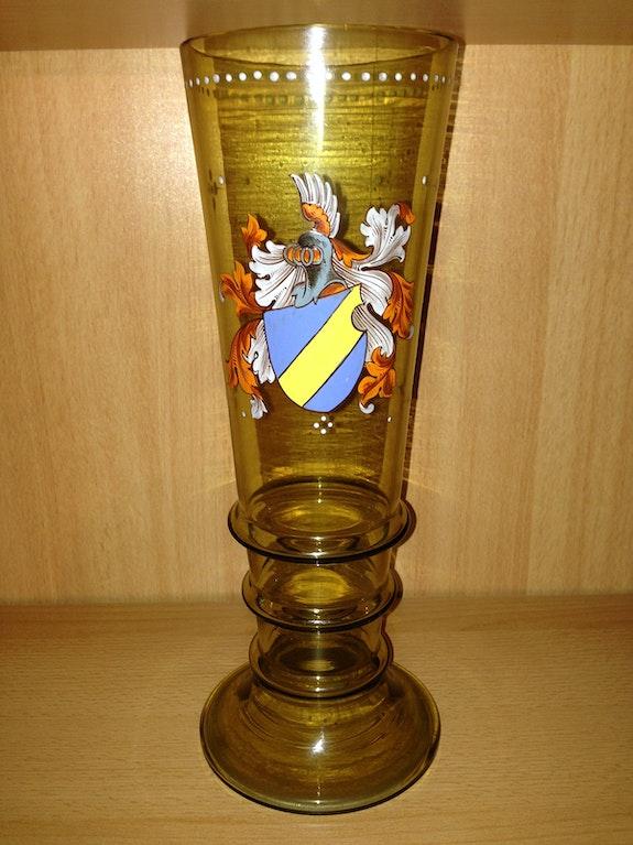 Großes Wappenglas mit unbekanntem Adelswappen, Historismus, um 1890.  Thomas Kern