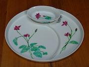 Iris d'eau rose par Plume Magicienne, peintre xieyi sur porcelaine. Plume Magicienne
