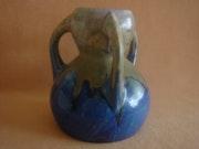 Keramikhenkelvase, wohl Frankreich, Faiencerie Pierrefonds? , 20Iger Jahre.. Glaskunstgalerie Raphael