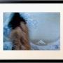 Photographie encadrée de la série «les patchworkris : Lounja dos sous la vague». Mamoon, Peintre, Scénographe, Photographe, Réalisateur…