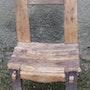 Chaise d'enfant. Jtp