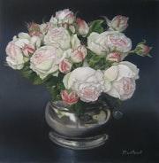 Etain et roses anciennes.