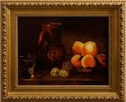 Plateau de pèches avec une cruche, un verre d'eau et des prunes. Denis Gibaud