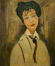 Mujer con corbata negra.