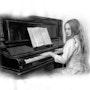 Mädchen am Klavier. Eddy