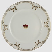 Dekorativer Porzellanteller aus britischem Königshaus, Königskrone & Golddekor. Thomas Kern