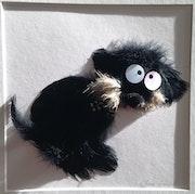 Tableau en plumes avec chien rigolo PluminoOz.