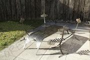 Table et chaises. Sylvain Orénès