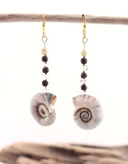 Savanna sea shell earrings, Sterling Silver gold-plated Rock Crystal Black Lava. Steinweich