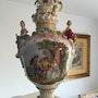Große Prunkvase, Porzellan, mit Wappen Kurfürsten von Sachsen & Könige von Polen. Thomas Kern