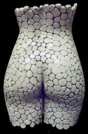 Whites pebbles, Louise jeune modèle des beaux arts, 19 ans.