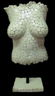 Whites pebbles, Camille modèle de 21 ans.