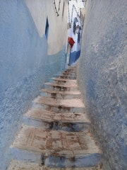 Une belle ruelle à chefchaouen (morocco)…. Saloua Alamri