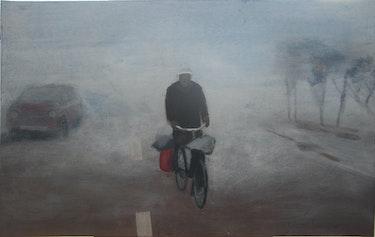 Un vélo dans la brume. Cesar Luciano