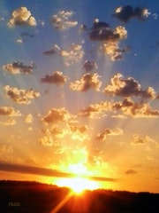 Fulgurance aurorale : éruption solaire. (Lumière 1).