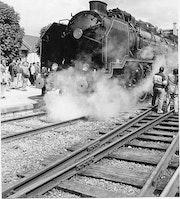 Les trains d'antan, la machine à vapeur en gare d'Auxerre..