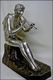 «Euterpe» signée g obiols. Marc Menzoyan Antiquités