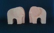 Éléphants serre-livres.