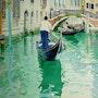 Canaux de Venise navigation intense. Robert