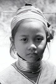 Portrait d'une Jeune fille karen, Na Soi camps. Regis Serange