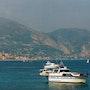 Bateau sur Mer calme. Bari Andria