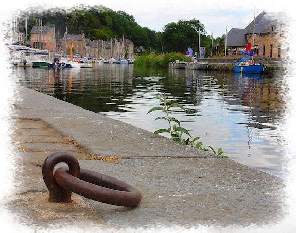 Le port de plaisance de dinan. Anne-Lucie Tarrie Altarrié