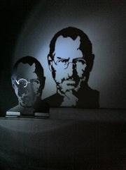 Sculpture portrait Steve Jobs.