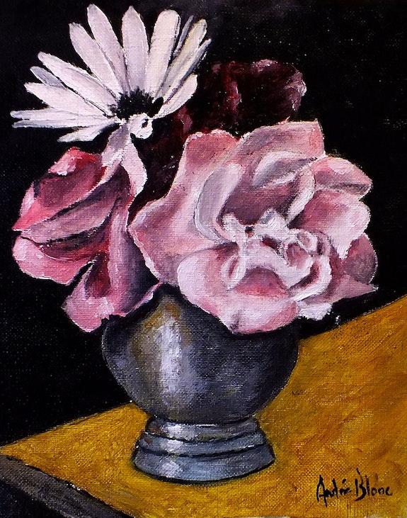 Vase en étain avec roses et marguerite. André Blanc Andre Blanc