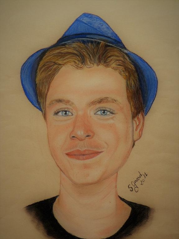 Le jeune homme au panama bleu. Sybille Girard Sybartiste