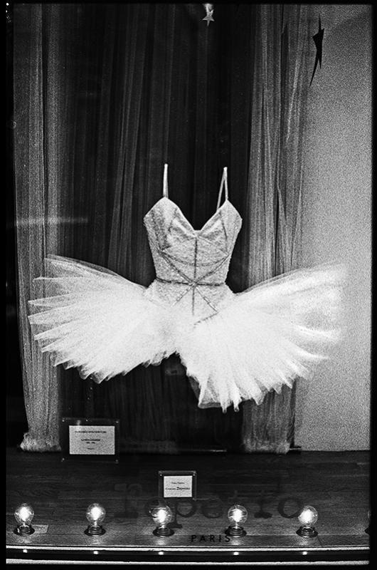 » La petite robe blanche ». Christophe Maradan Christophe Maradan