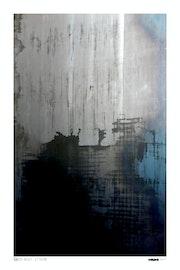 Noir, gris… Bleu.