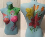 Peinture acrylique sur buste thème Flamant rose et fleurs. Nath Créative