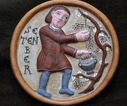 Septiembre - Medallón hecho a mano en barro cocido policromado.. Ceramicamanos